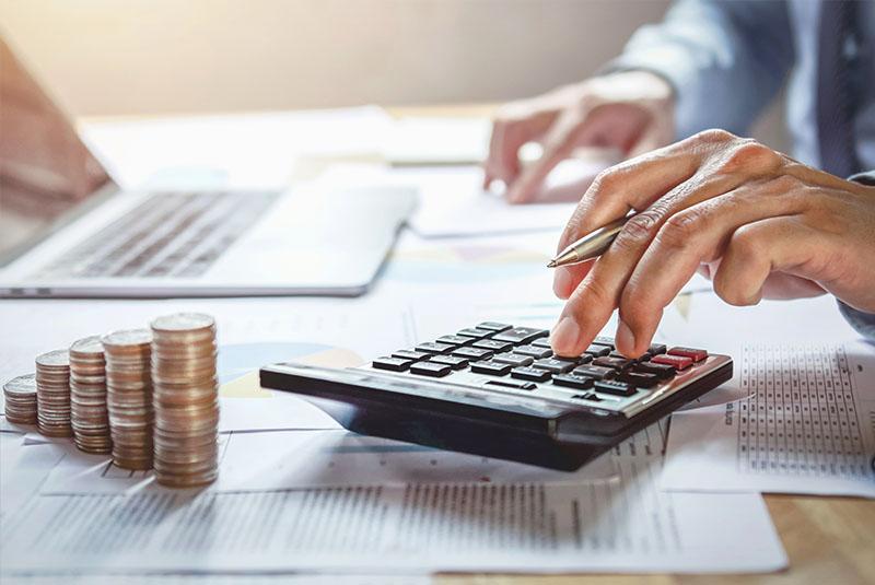 ideas para ahorrar dinero en las empresas